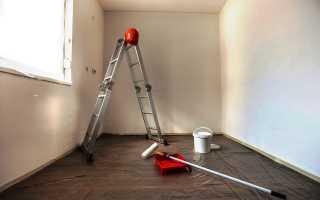 Как надо белить потолок