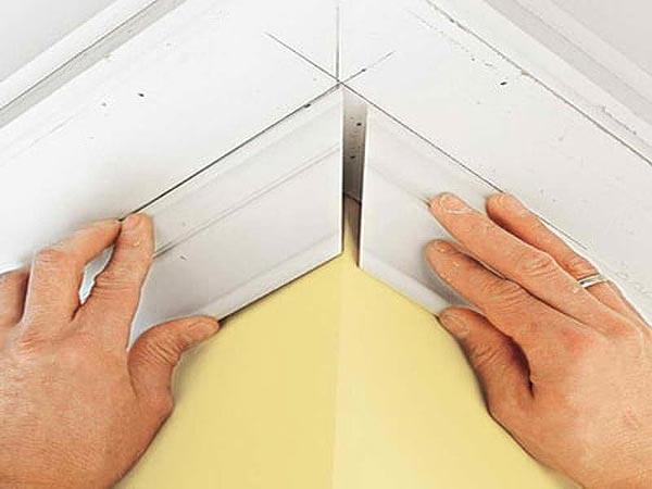 Как стыковать потолочный плинтус